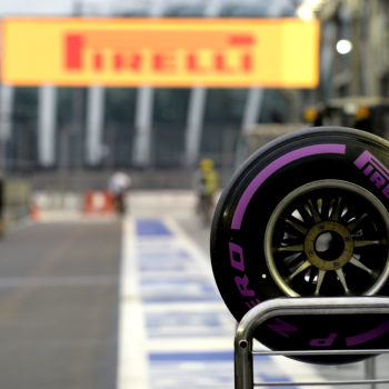 Rosberg ed Hamilton, lo scontro è ad armi pari: uguale la scelta di gomme dei due