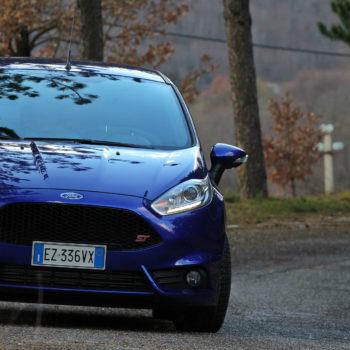 Ford Fiesta ST, storia di promesse mantenute. Facendo anche divertire parecchio