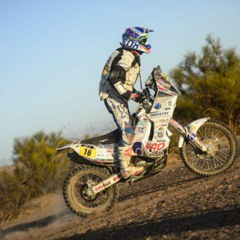A rendere più difficile la Dakar arrivano i fulmini: uno ha centrato in pieno Ivan Jakes!