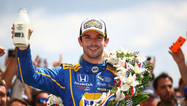 Rossi vince la 500 Indy