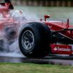 Vettel va a muro e i ricambi non ci sono: durano un giorno i test delle FullWet Pirelli con la Ferrari