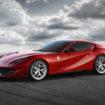"""Ferrari 812 Superfast: un V12 aspirato da 800 CV per dire """"No!"""" al downsizing"""