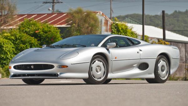 jaguar-xj-220-2