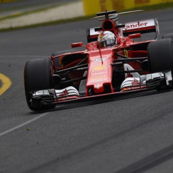 Melbourne si tinge di rosso: Sebastian Vettel vince in Australia! Mercedes a podio, buona gara di Giovinazzi