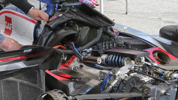 L'interno di una Foyt, prima motorizzata Honda