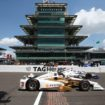 500 Indy, Castroneves conquista il Carb Day mentre Alonso imita i video dei campioni