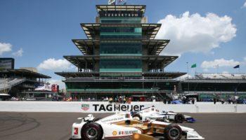 500 Indy, Castroneves conquista il Carb Day mentre Alonso imita i video dei campioni