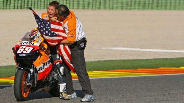 14_nicky_hayden_valencia_2006-gallery_full_top_md