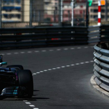Le FP1 di Monaco vanno a Lewis Hamilton, già sotto il record della pista! Vicini Vettel e Verstappen
