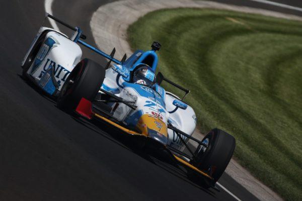 Le Prove della 500 Indy: la Honda si nasconde, mentre Alonso si perfeziona giro dopo giro