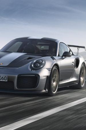 Da Goodwood arriva la 911 stradale più potente di sempre: ecco la GT2 RS da 700 CV