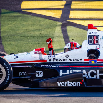 IndyCar, Castroneves vince e salta in alto: Power perde l'occasione, brillano Hildebrand e Hunter-Reay