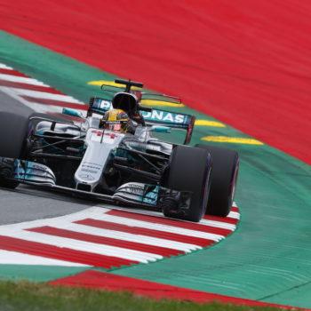 Sostituito il cambio sulla W08 di Hamilton: il #44 sconterà 5 posizioni di penalità in griglia