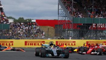 """Hamilton domina il GP di Silverstone davanti a Bottas. La Pirelli """"tradisce"""" entrambe le Ferrari"""