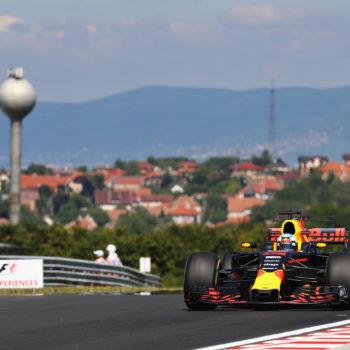 Le FP1 dell'Hungaroring sono di Daniel Ricciardo. Raikkonen davanti ad Hamilton, a muro Giovinazzi