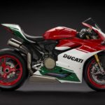 panigale_final-edition_2018_studio_fe_c01_gallery_1920x1080-mediagallery_output_image_1920x1080
