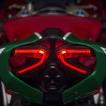 panigale_final-edition_2018_studio_fe_z02_gallery_1920x1080-mediagallery_output_image_1920x1080