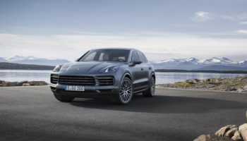 Più potente, più leggera e più tecnologica: Porsche toglie i veli alla nuova Cayenne