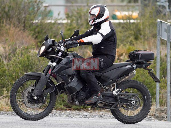 LA 790 ADVENTURE PIZZICATA DA motorcyclenews_com
