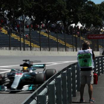 Hamilton si prende le FP2 di Interlagos, pioggia di penalità su Ricciardo e le Toro Rosso