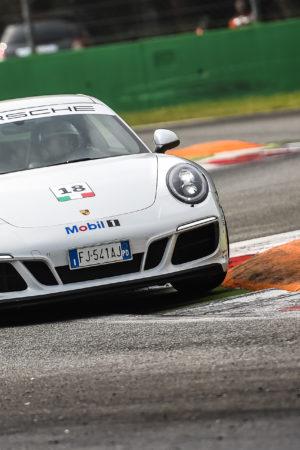 Video Recensione: Porsche 911 Carrera GTS e Porsche Driving Experience