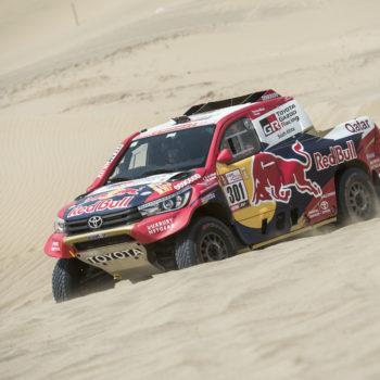Al-Attiyah e Sunderland dettano il ritmo nel Day 1 della Dakar. Subito problemi per Loeb