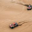 Il CEO di Booking.com fa tremare Sainz e Peterhansel: i due sono a rischio squalifica dalla Dakar?