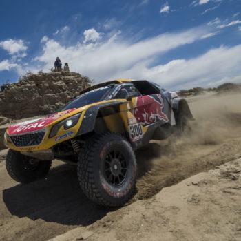 Nel Day 10 della Dakar Peterhansel vince e nelle moto succede di tutto: fuori Van Beveren e Walkner nel caos va in fuga!