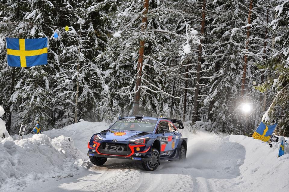 In Svezia dopo 8 prove è tripletta Hyundai. Bene Citroen, malissimo Ogier