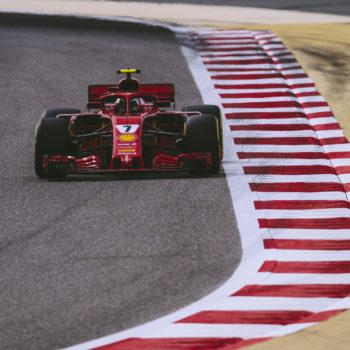 Nelle FP2 del Bahrain Raikkonen fa il vuoto e poi si ferma. Bene RB sul passo gara, ma Hamilton con le Medium…