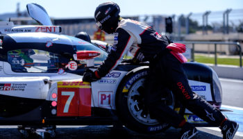 Toyota si prepara per Le Mans simulando problemi tecnici: la TS050 ha girato con sole 3 ruote!