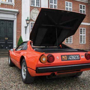 Gilles Villeneuve, all'asta la sua Ferrari 308 GTS: quella con cui percorse 430 km in 2 ore e 25'…