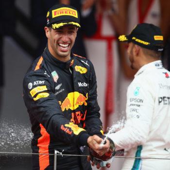 """Ricciardo non sa quanto vale? Hamilton si propone come manager: """"Sei davanti a Verstappen? Hai già detto tutto"""""""