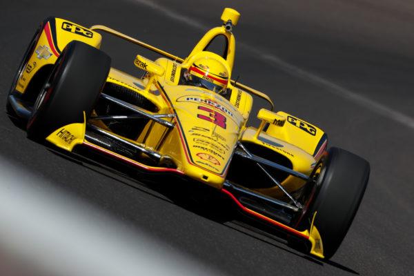 Indy 500, Libere 1: Castroneves torna ed è davanti a tutti! E sussurrano che la McLaren...