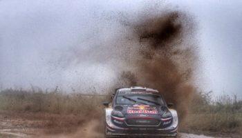 Sebastien Ogier è il più veloce nel fangoso venerdì del Rally d'Italia