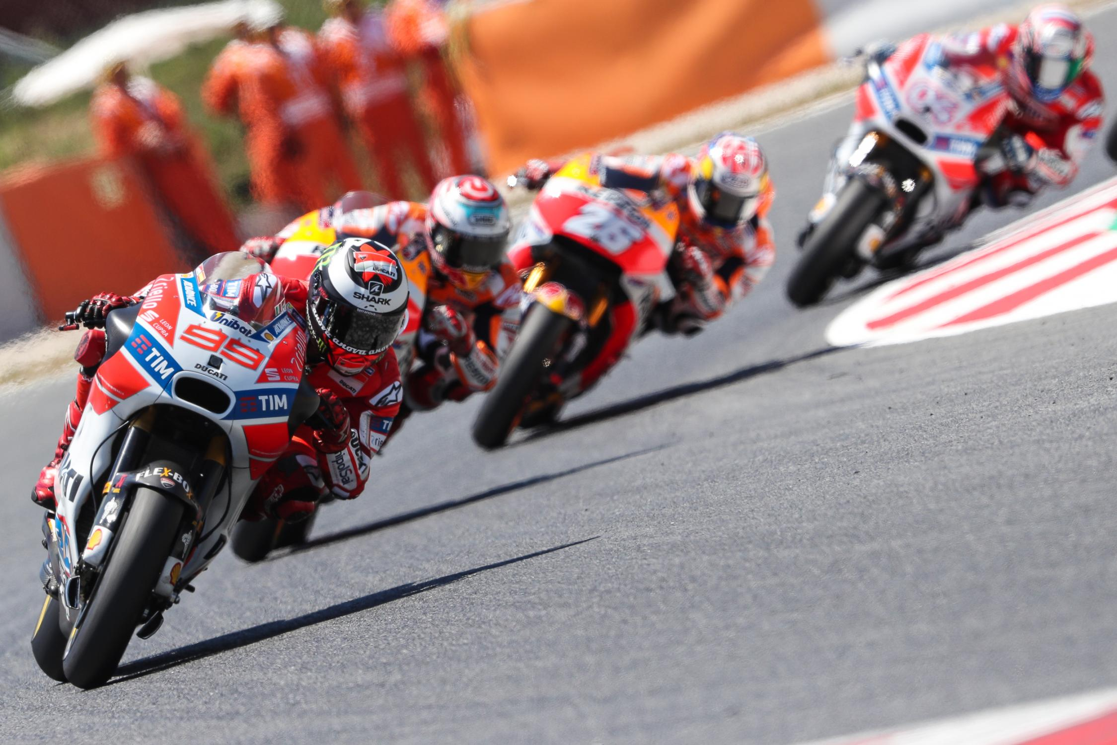 99-jorge-lorenzo-espb77i0694-gallery_full_top_fullscreen