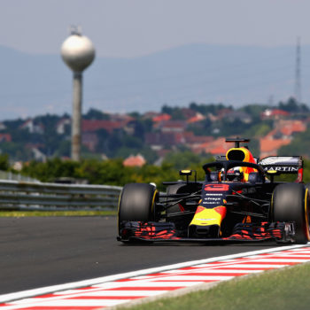 In Ungheria le FP1 vanno a Daniel Ricciardo, ma in 88 millesimi ci sono tre piloti