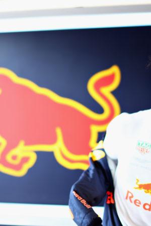 Come la firma di Ricciardo per Renault ha scombinato il mercato piloti