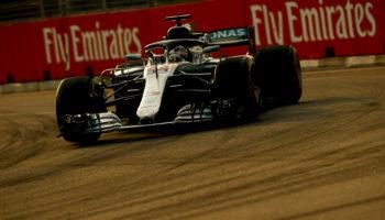 Hamilton mostruoso a Singapore: Pole e record polverizzato! Vettel dietro a Verstappen