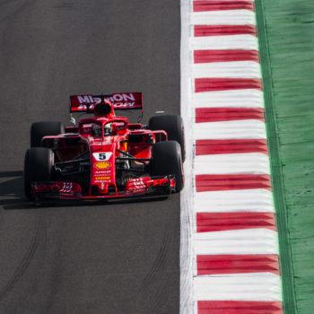 """Vettel ed Hamilton in coro: """"Qui in Messico non c'è grip!"""". E Verstappen per ora gongola"""