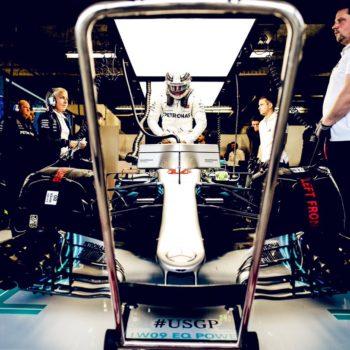 Lewis Hamilton ancora 1° nelle FP2. Le Ferrari chiudono soltanto 9^ e 10^