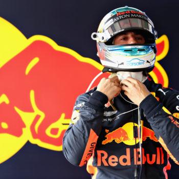 Ricciardo, oltre al danno la beffa: il turbo della sua RB14 lo ha rotto un commissario!