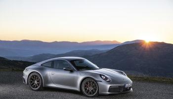 Porsche toglie i veli alla nuova Carrera: ecco l'ottava generazione della 911