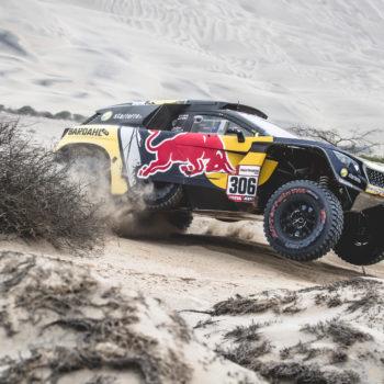 Loeb cala il poker nel Day 8 della Dakar. Brabec rompe e Price ne approfitta!
