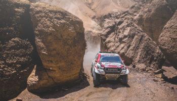 Loeb e le MINI crollano, domina Al-Attiyah! Price resiste con 1′ di vantaggio