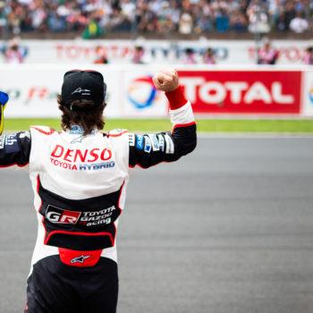 Ad Alonso l'asfalto non basta più: vuole organizzare un test con l'Hilux di Al-Attiyah!