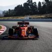 Vettel è il più veloce ed il più attivo a metà del Day 1 dei Test. Si insabbia Raikkonen, problemi per Haas