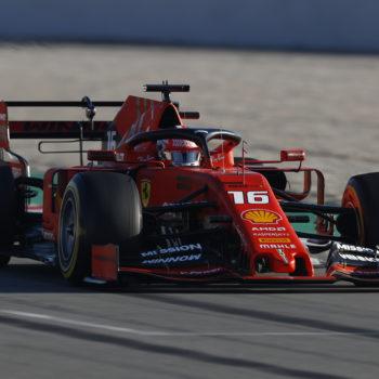 Il Day 3 dei test va a Leclerc nonostante un problema. Gasly a muro, Mercedes inarrestabile