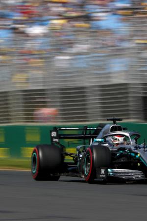 Hamilton si prende anche le FP2 del GP d'Australia. Le Ferrari giocano a nascondino?