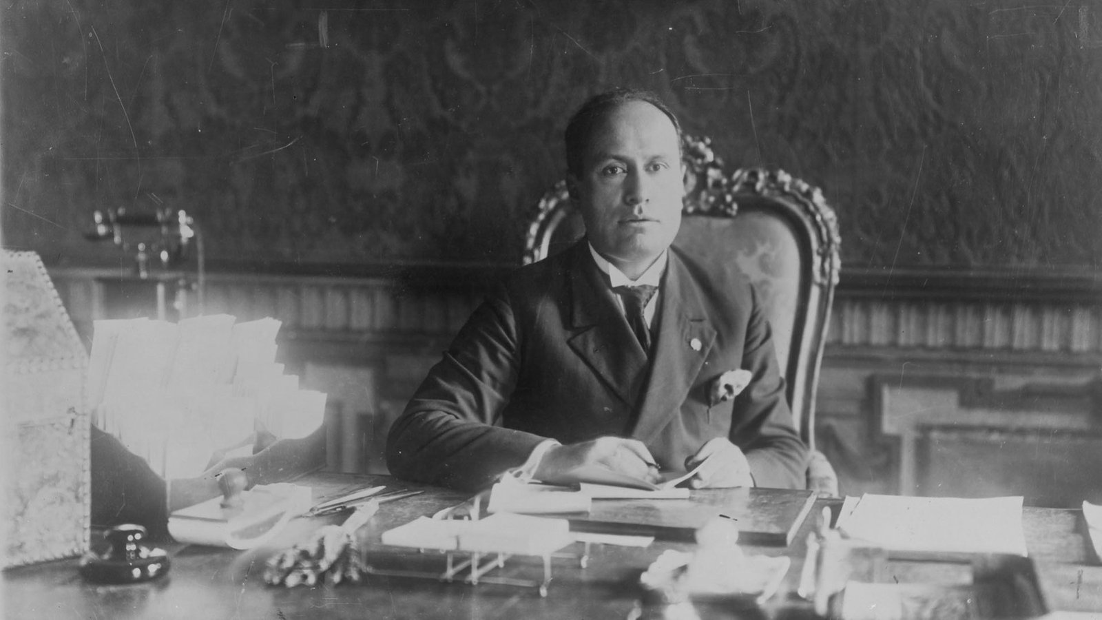Benito Mussolini, Capo del Governo dal 1922 al 1943